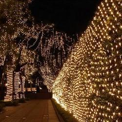 Lichternetz 2M × 2M, 144 LEDs, mit 8 Programmen, Durchsichtig Kabel, Warm Licht, für Außen