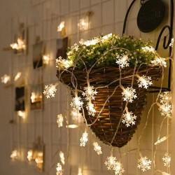 Dekorative Lichterkette 100M mit 800 Schneeflocken-LEDs, Durchsichtig Kabel, Strombetrieben, Warm Licht, Für Außen